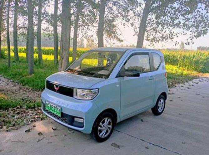 五菱宏光击败特斯拉,首次拿下全球电动车型销,不愧是神车