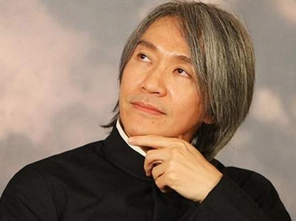 周星驰最爱的应该还是于文凤,其父于镜波是隐形富豪身价逾30亿
