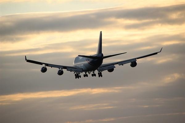 航班延误起飞工作人员现场补偿两百元