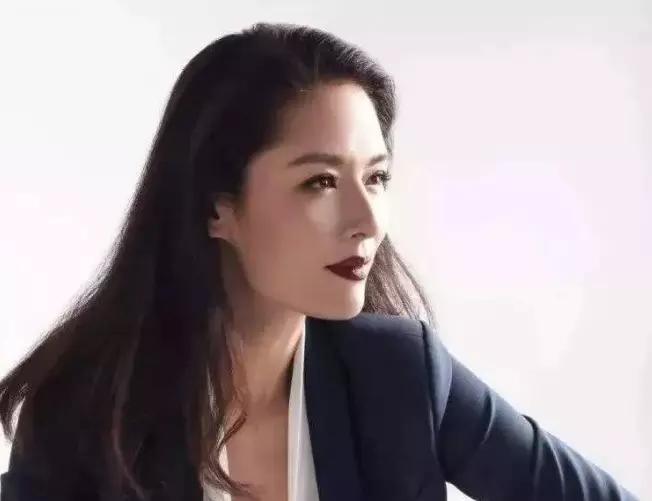 她被称为中国第一美人,却惨遭老公抛弃,不得以归隐田园