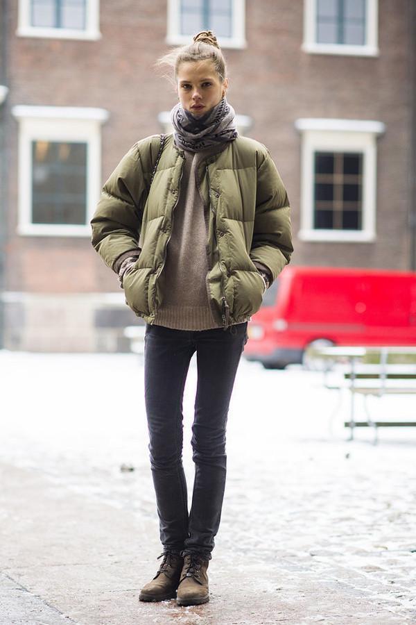今冬穿羽绒服少配短靴,太土气!建议选这4双鞋子,个性又时尚