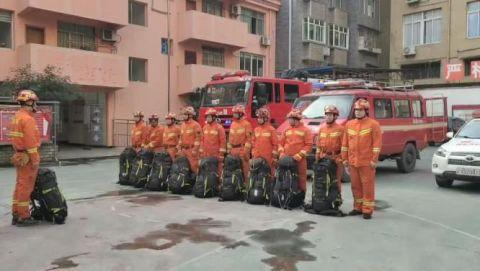 云南盐津发生4.7级地震 消防紧急前往救援
