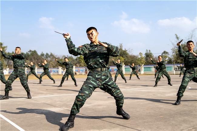 武警广西总队钦州支队初春时节练兵忙