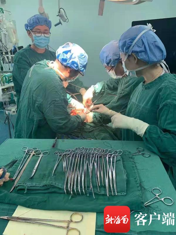 三亚市人民医院成功实施一例胰十二指肠切除术