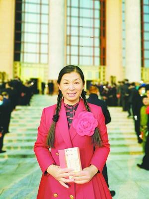厦门信息学校教师刘斯荣膺全国脱贫攻坚先进个人:50岁后两度援藏支教