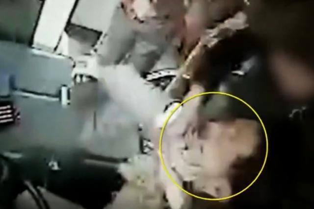 陕西一女子燃气公交吸烟被制止,拿丝巾猛勒司机脖子,称只是小事