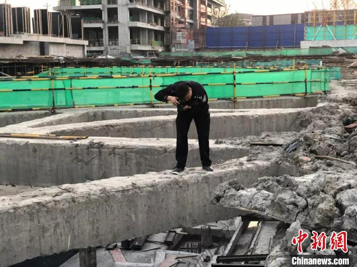 杭州一刑警办案时从7楼坠楼 当天已勘查4个现场