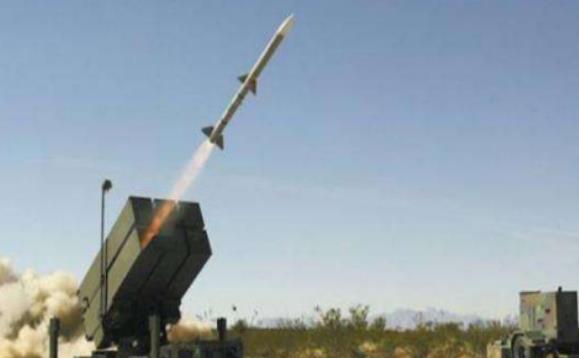 解决燃眉之急,又一军事强国站出来,将顶尖防空导弹送到手