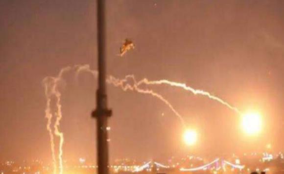 伊拉克美基地遭遇袭击,差点被对方端窝,专家:绝对令人意外