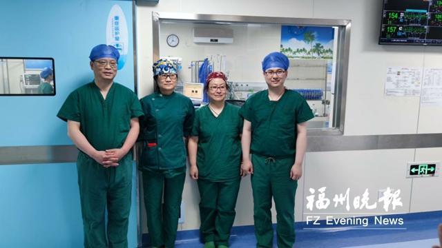 新生儿患3种先心病 上海专家来福州施救