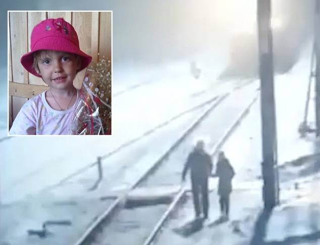 俄罗斯一名9岁女孩跟父亲去买生日礼物时不幸被卷入火车下身亡