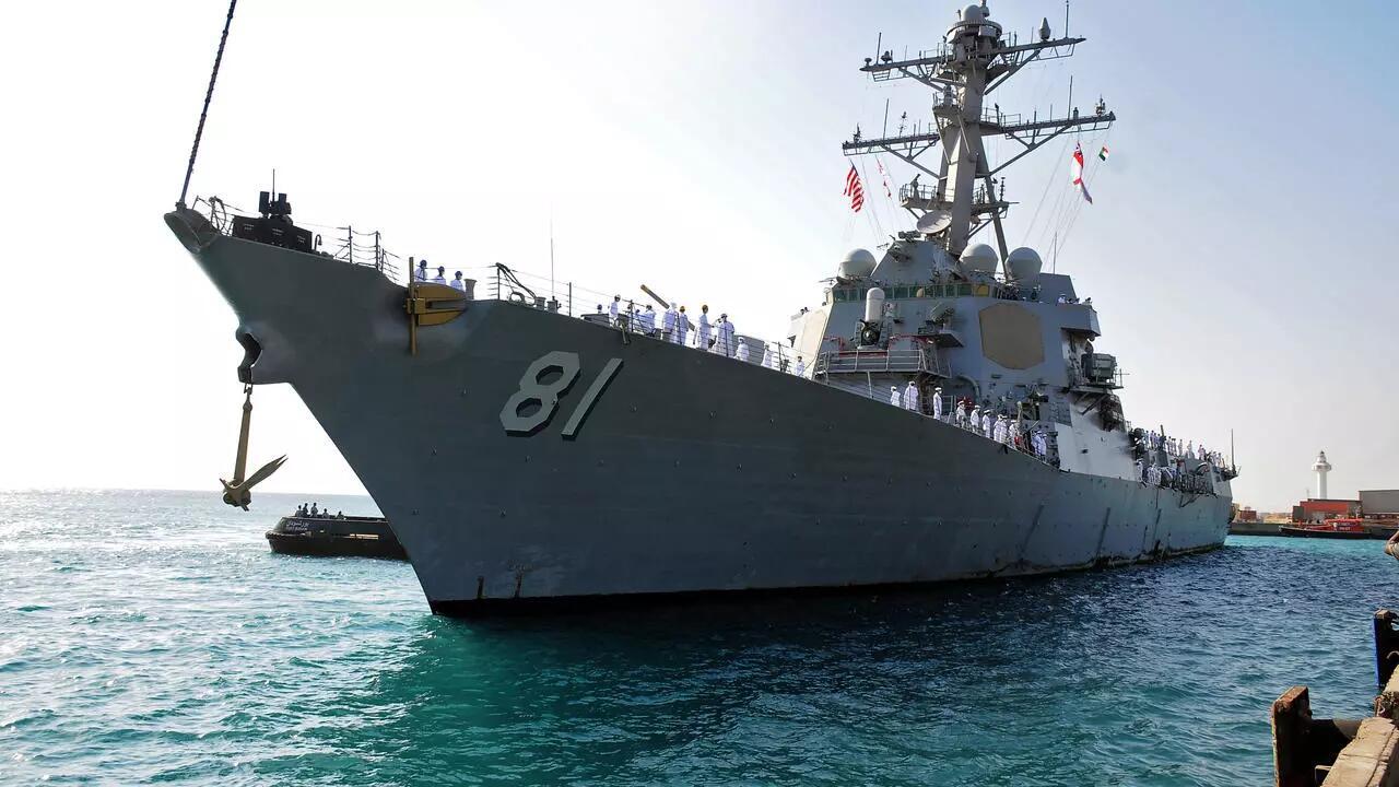 冷战场景重现?美俄军舰相隔一天抵达苏丹,苏丹海军让