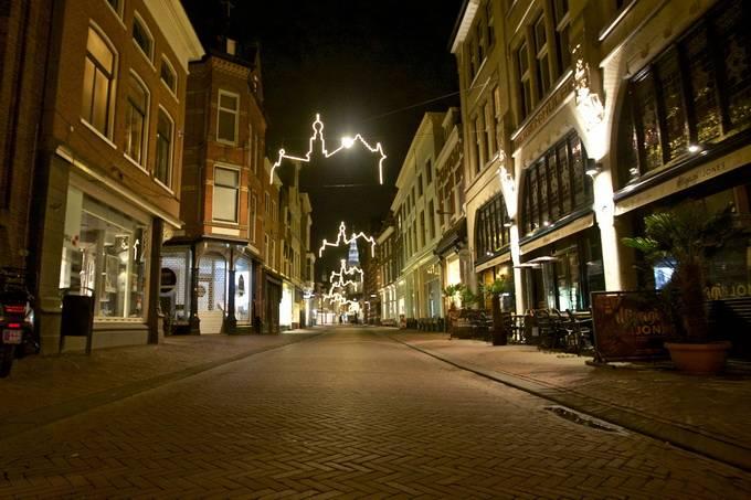 荷兰一新冠检测中心爆炸,警方初步判断为有目标袭击
