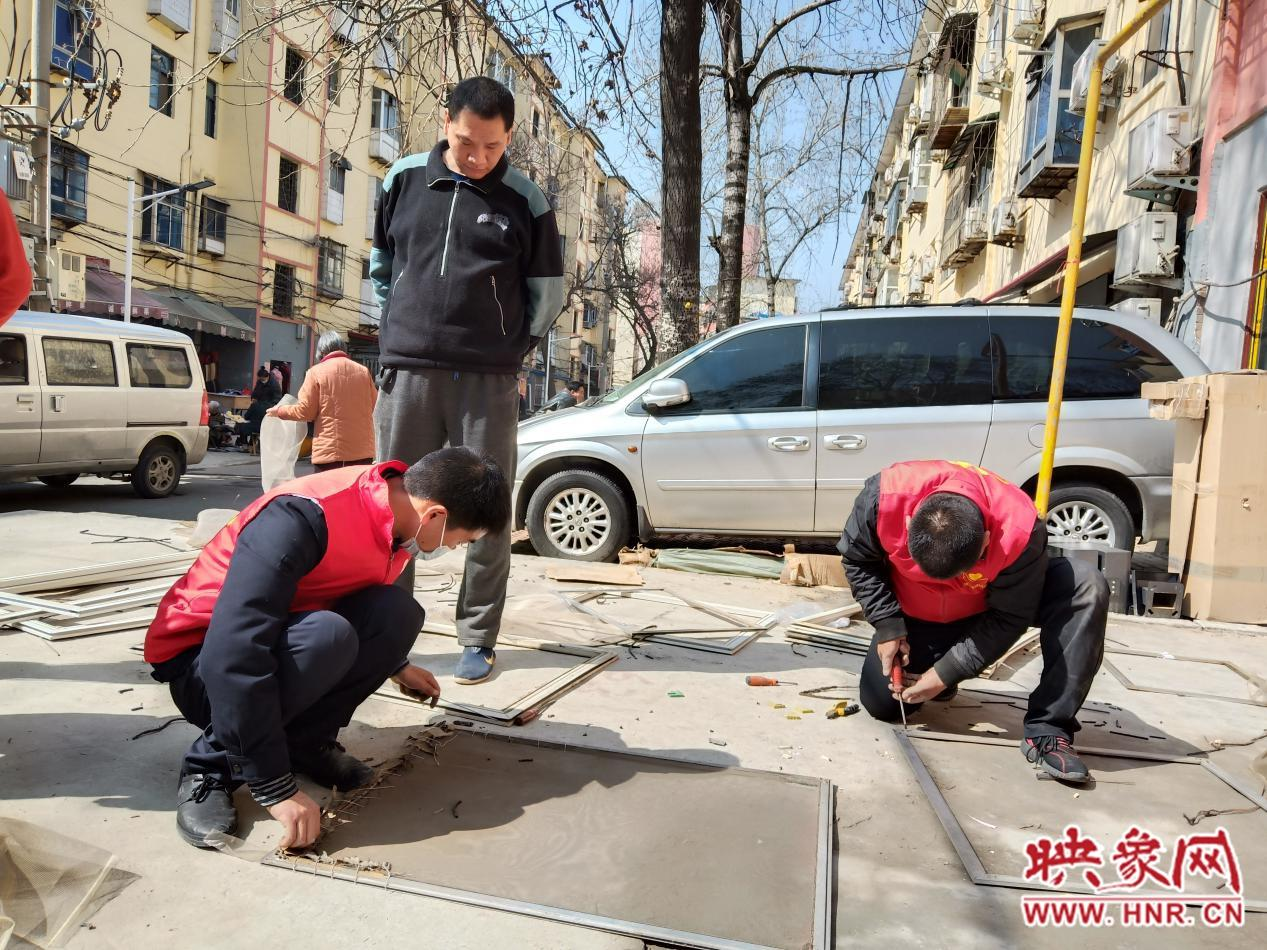 """郑州基层社区""""雷锋""""大显身手 志愿服务再暖人心"""
