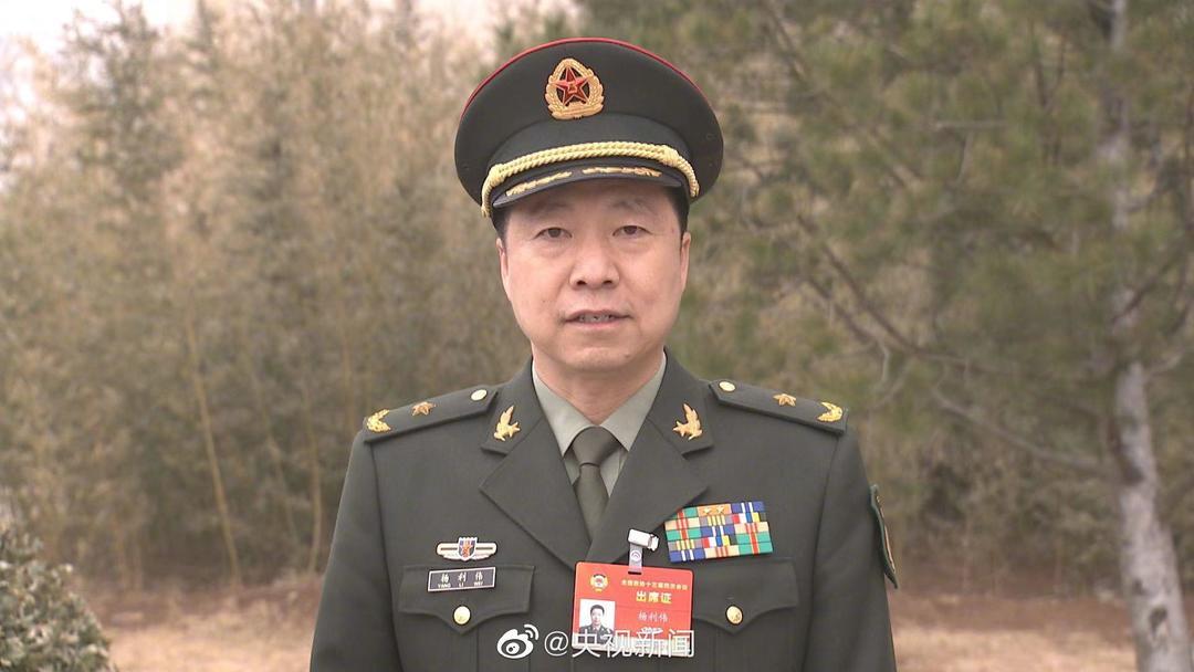 杨利伟:两年内将有12名中国航天员进入太空