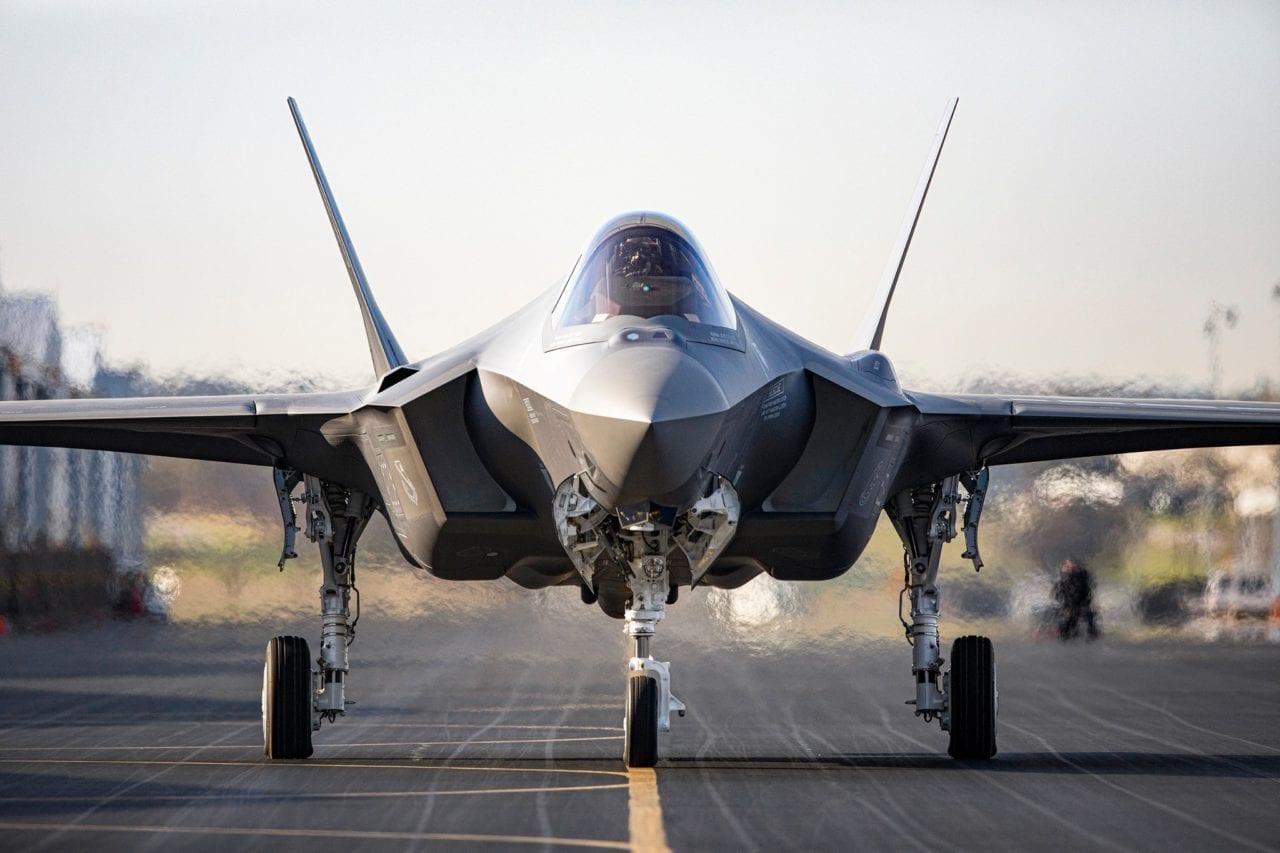 """美众议院军事委员会主席把F-35战机比作耗子洞,""""别再往里扔钱了"""""""