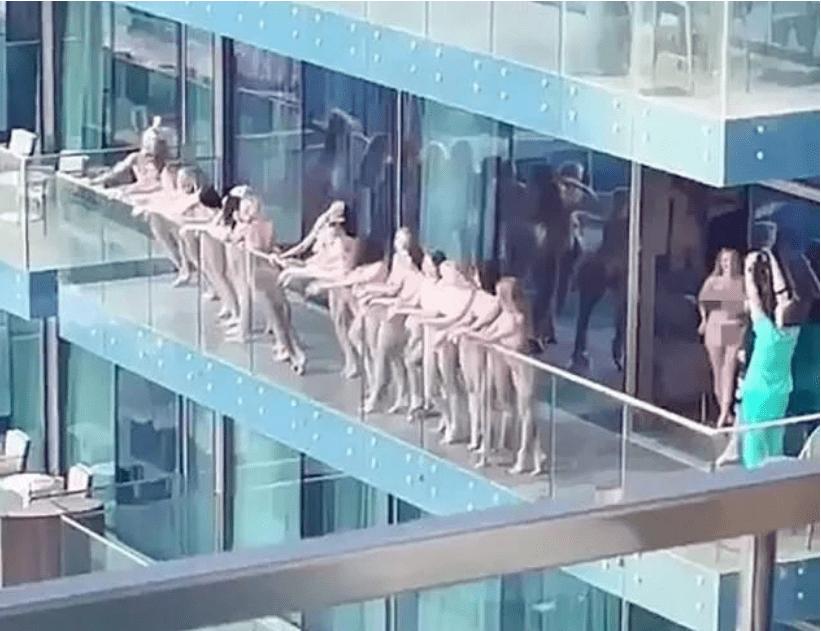 多名女子在阳台拍裸照震惊阿联酋,组织者曝光!
