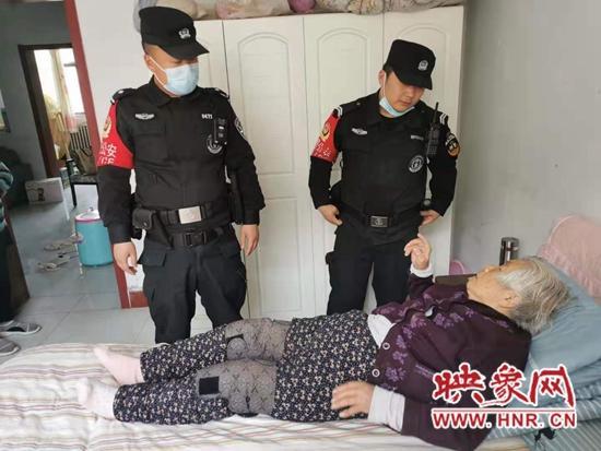 独居老人不慎反锁家中 鹤壁快反民警及时救援