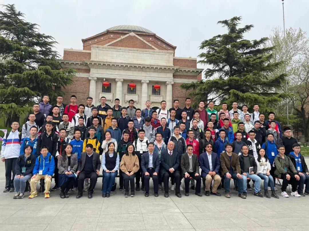 """9名上海中学生提前入读清华园,数学""""天才""""有怎样的世界?"""