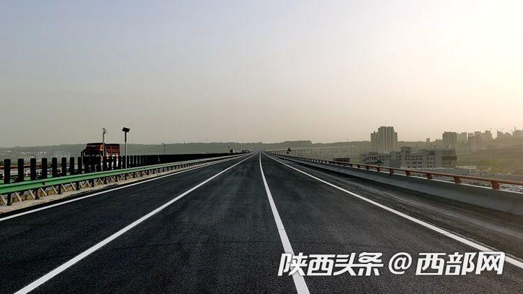 4月17日中午 西安绕城纺织城至曲江立交之间恢复通行
