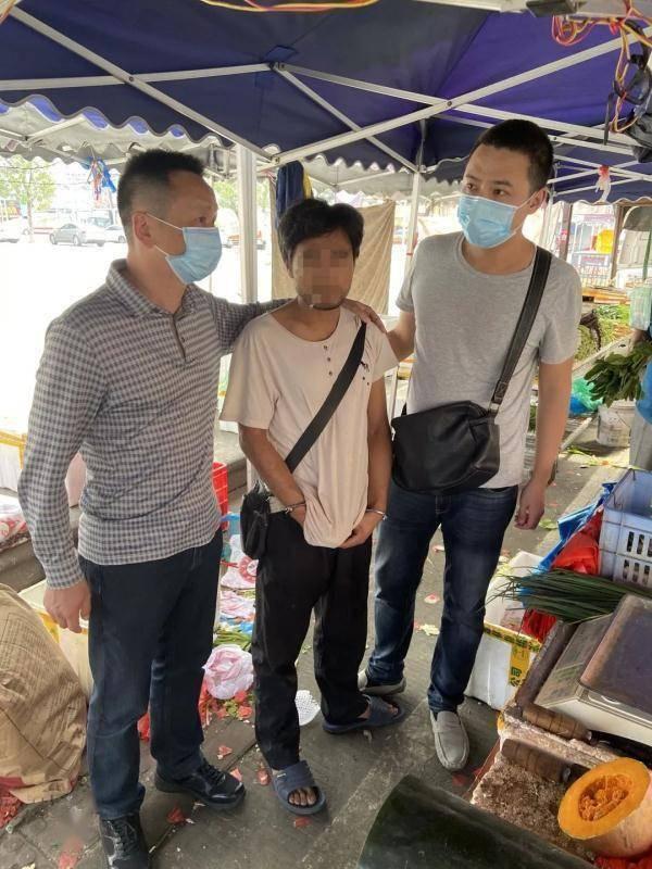 湖南一男子4年办了9207张银行卡,连警方都惊动了!