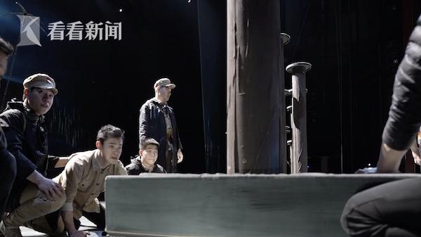 视频 申䒕雅探班《战上海》 现代多媒体道具全面升级