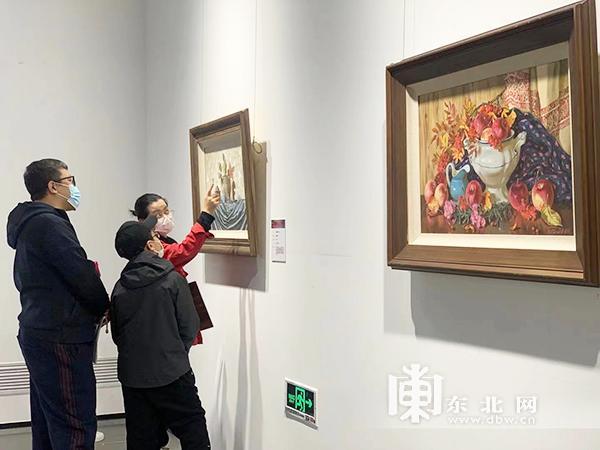 """""""俄罗斯油画大师携手龙江少儿艺术展""""在哈尔滨举行"""