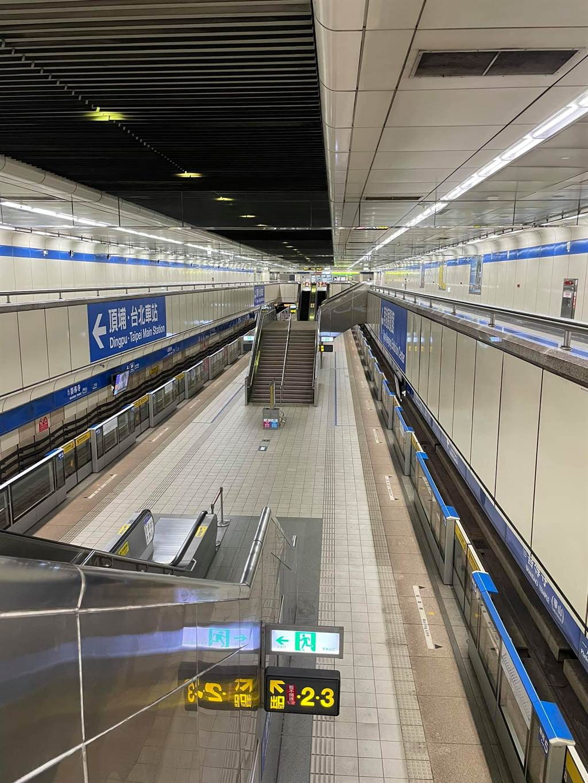 台湾地区确诊人数暴增,士林夜市、车站周末成空城