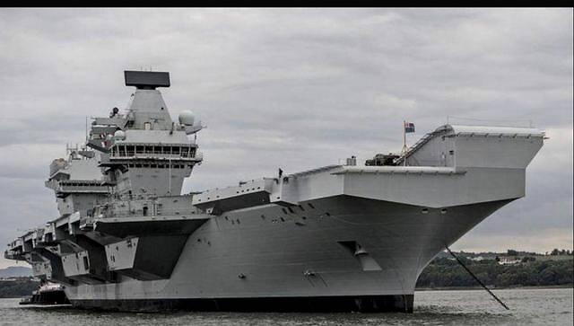 又出事了,航母舰队未出港,万吨巨舰先着火了,就这还远