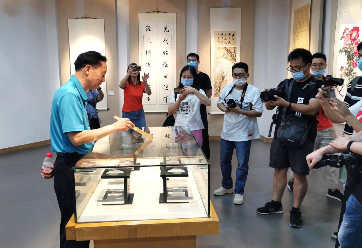 东莞本土艺术家造诣有多深?石龙博物馆展出的三人系列作品给出答案