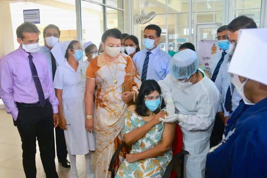 斯里兰卡开始为孕妇接种中国新冠疫苗
