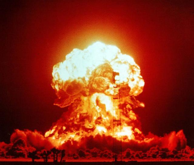 美国战略核轰再次警告,俄罗斯已被逼到墙角,国防部:验