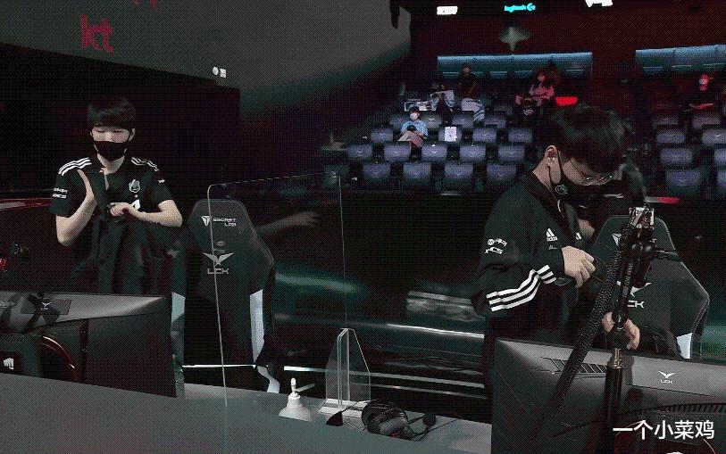 DK因为下路差距输比赛后,荣光哥排位猛玩AD,暗示的意