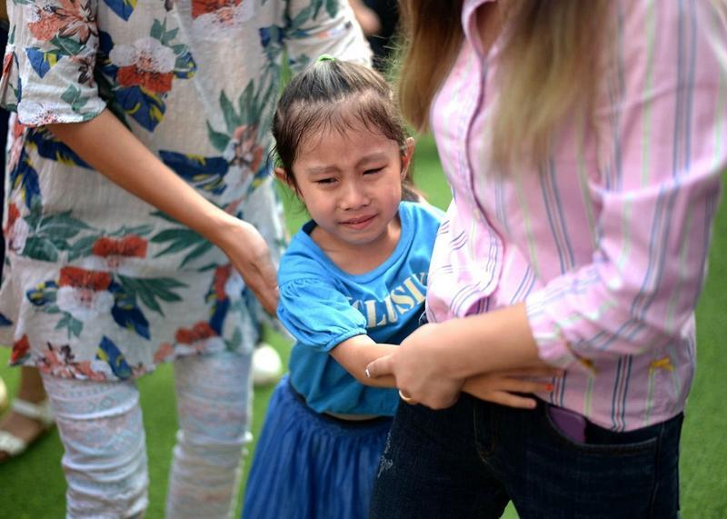 """女儿想吃大西瓜,妈妈只想""""买一块""""被嘲讽,一番回怼引来争议!"""