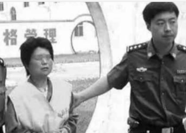 农村妇女为保平安,毒死18个村民,243头猪,记1995年广东投毒案