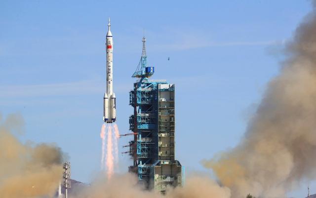 """""""和中国航天合作""""沸腾!俄罗斯作出重大决定,美国封锁宣告失败"""