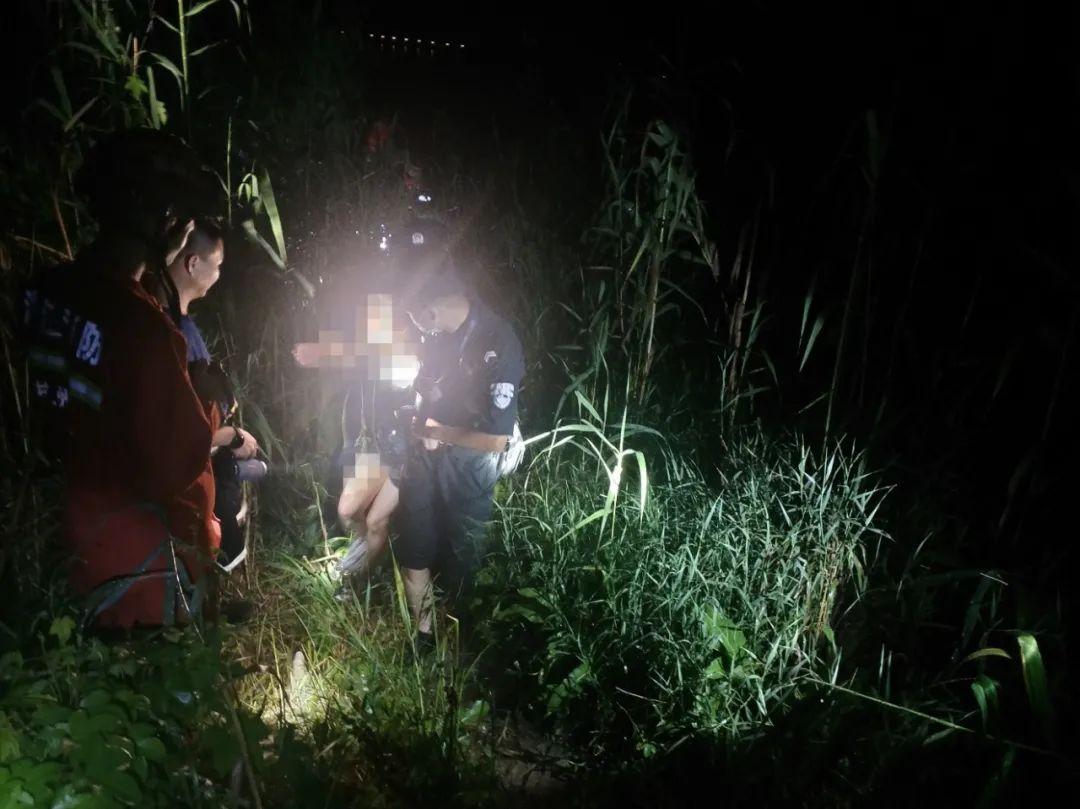女网友深夜发来位置共享,竟然在湖中……一场紧急救援拉开!