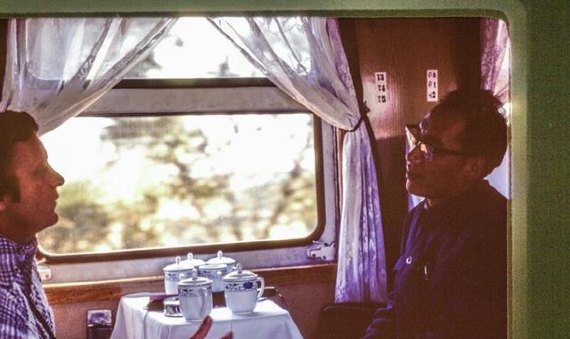 """368次火车冲过车站,106人永远地""""睡在""""杨庄,谁之过错?"""
