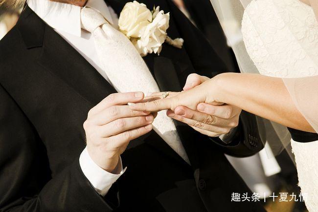 老人再婚,继子买房结婚他给十万,亲生儿子上门理论他分文不给