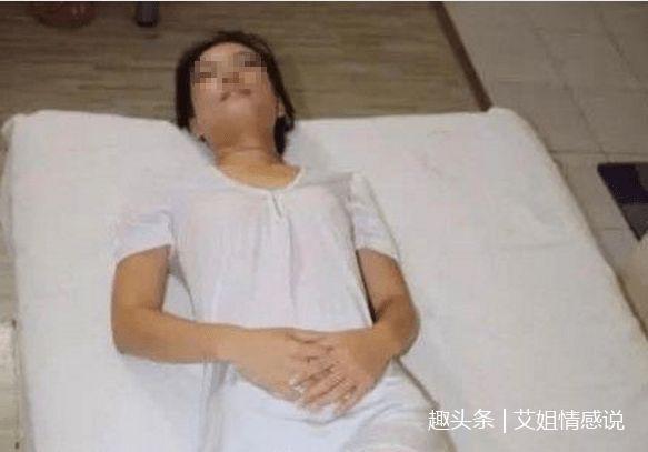 婚后夫妻分房睡,丈夫熟睡中感觉妻子房间有声音,开门后瘫在地