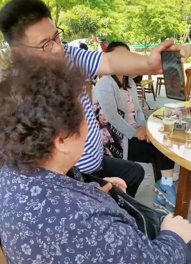 许妈出身书香世家,28年没发现姚策被错换,跟2个原因有关