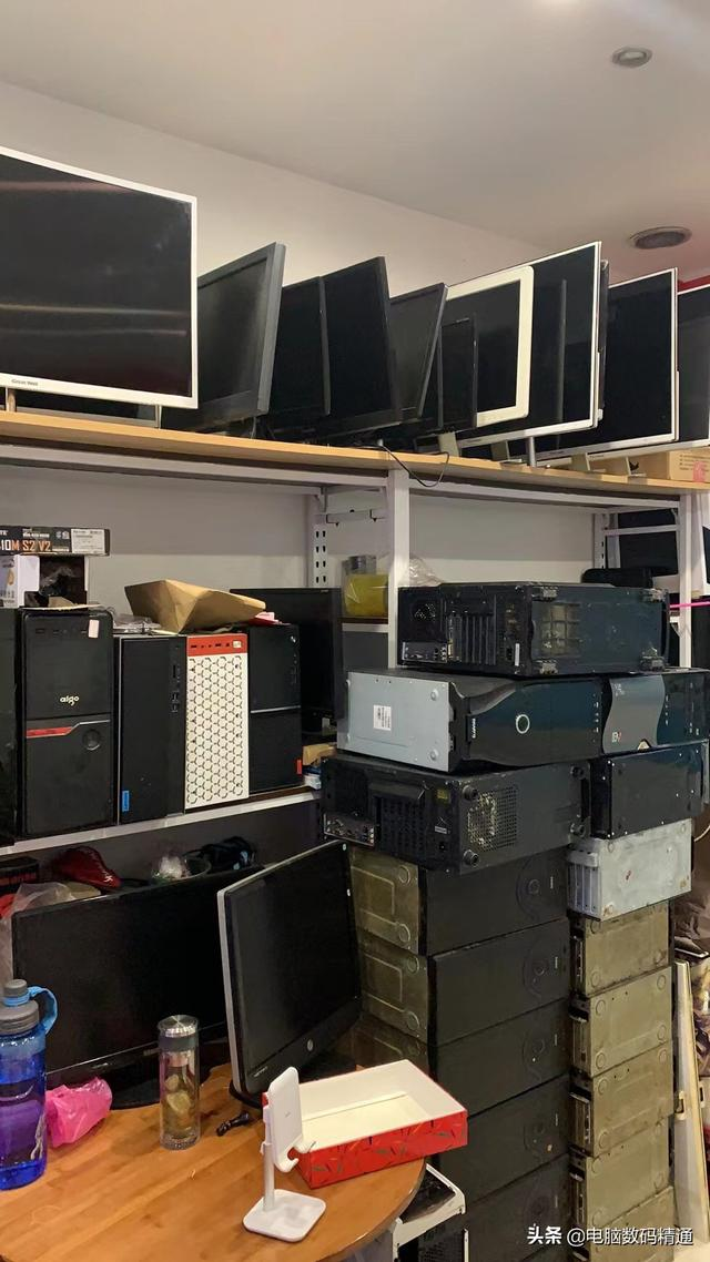 很多人都希望电脑实体店倒闭,让你失望了,实体店利润可大了