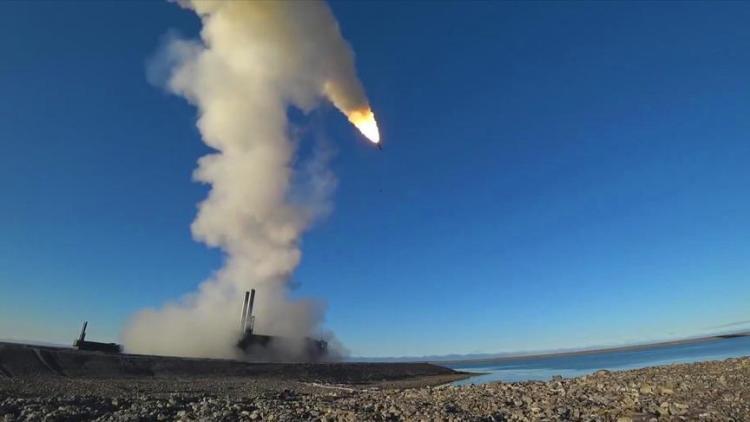 美国拉着30余国要在黑海演习,俄针锋相对演练用导弹