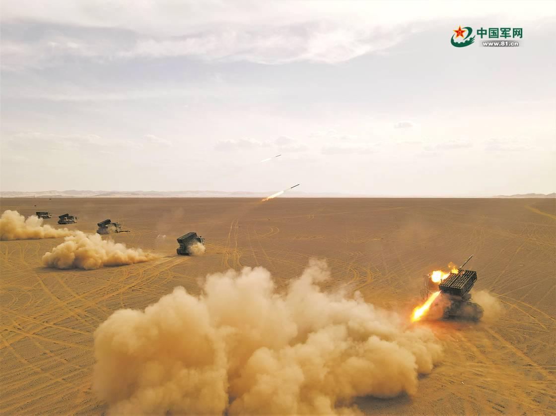 铁骑鏖战:第75集团军某合成旅炮兵营展开实战化演练