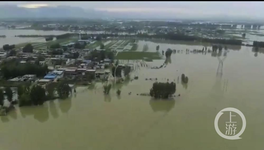 卫河出险情,河南新乡多村群众紧急撤离,部分受困人员网络求助