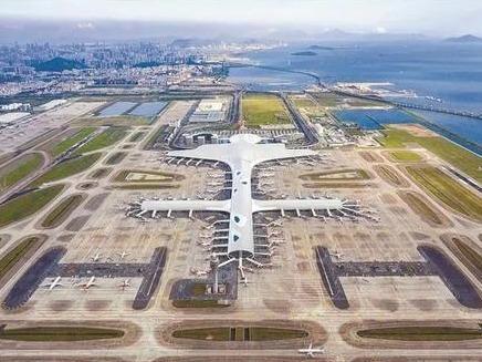 深圳机场为驰援河南人员、物资开辟绿色通道,减免相关收费