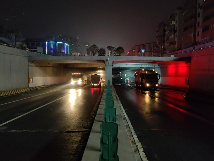 历时50个小时,排水30万方,郑州这处被淹隧道通了!