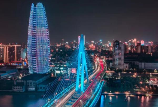 浙江有个二线城市,和青岛、大连齐名,有新一线的实力,却掉了队