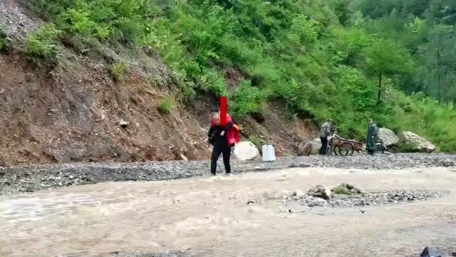 陕西洛南暴雨致多乡镇受灾,5.8万人紧急转移