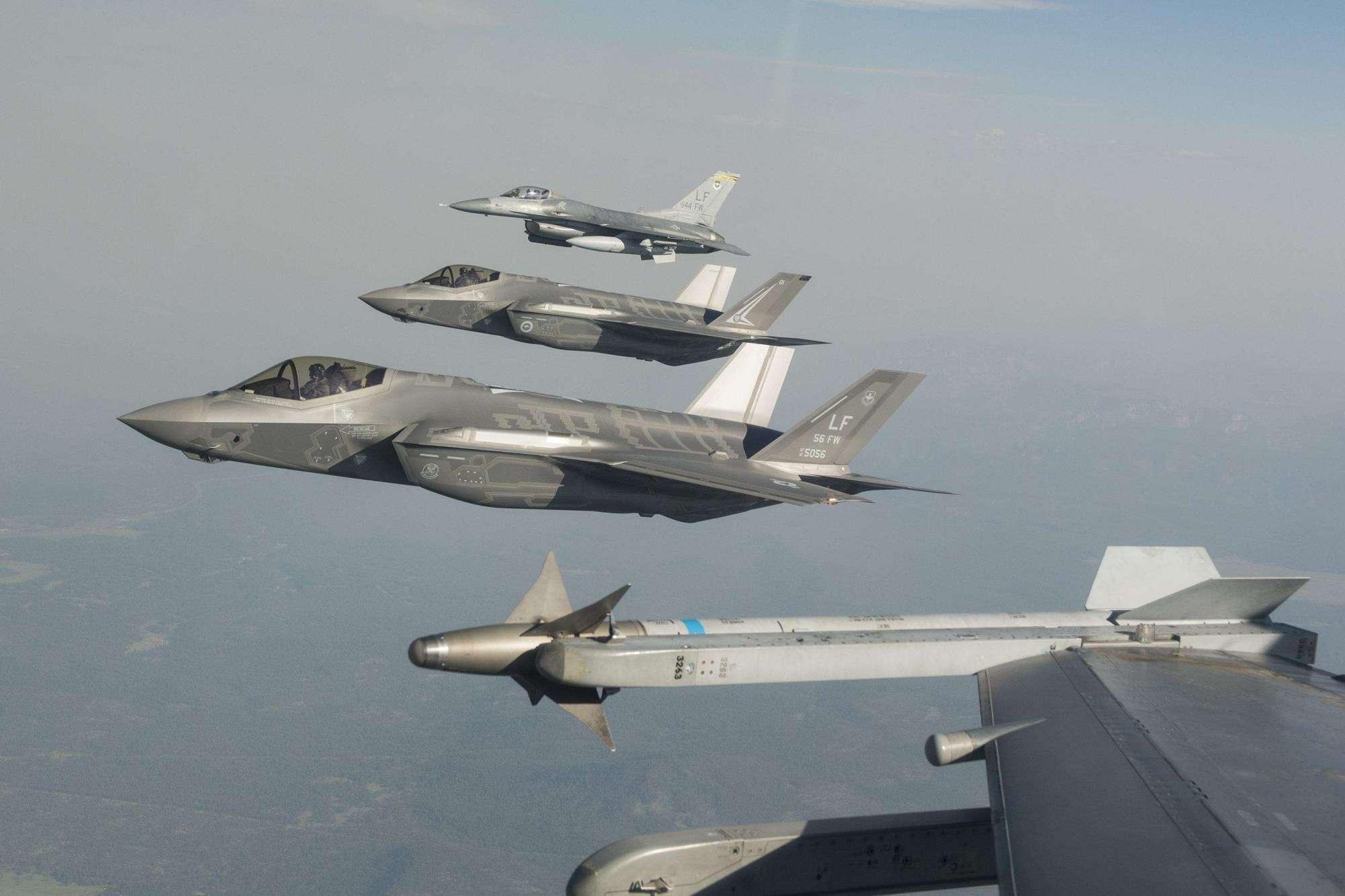 一年砸4.6万亿军费,4万架一流战机,为何始终拖不垮美